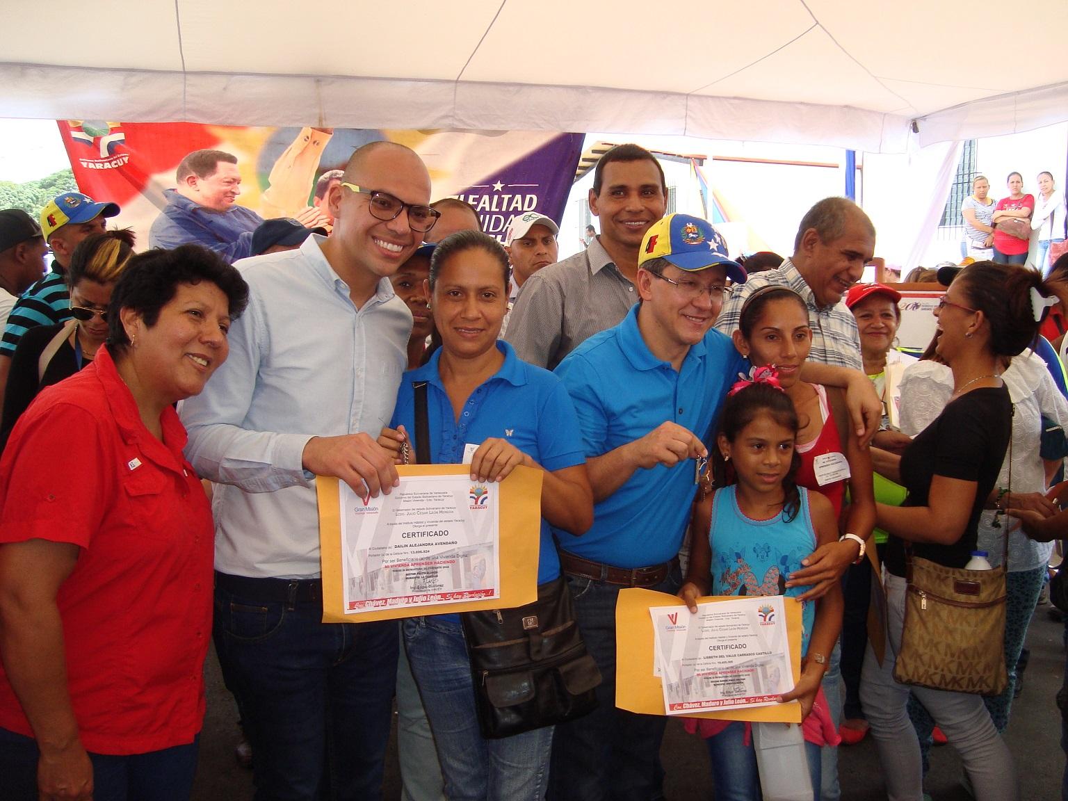 Gobernador Julio León y Alcalde José Mujica entregaron 35 casas dignas en urbanismo San José
